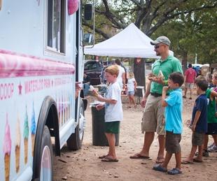 Austin Photo Set: News_Jon Shapley_ice cream festival_August 2011_ice cream truck