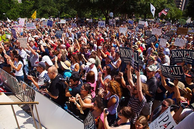 Austin Photo Set: News_Adam_Ron Paul_may 2012_crowd
