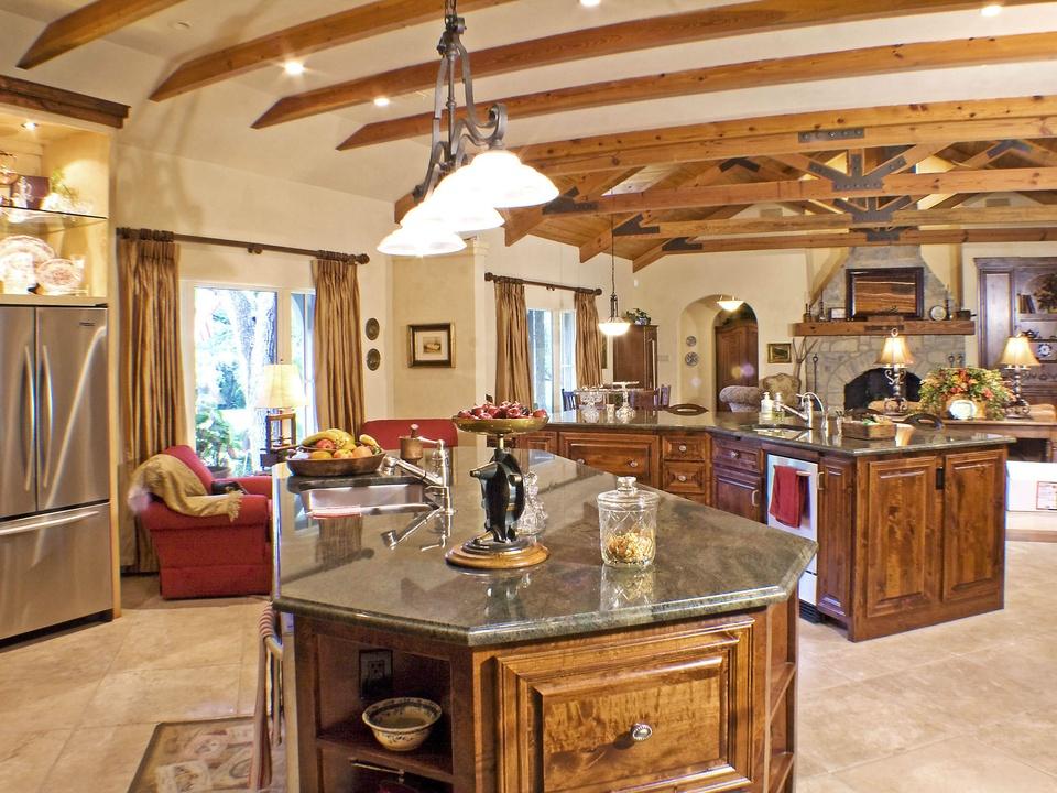 Porch.com_Austin kitchen_Realty Restoration_gourmet_2015