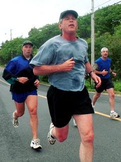 News_Steve Popp_Houston Marathon 2010_tidbits_George W. Bush_running