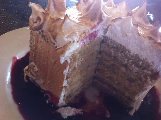 News_Marene_Up Restaurant_six-layer cake