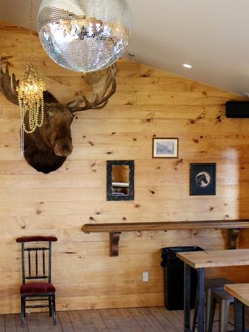 Lustre Pearl Rainey March 2016 corner moose interior