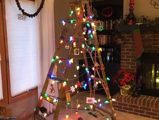 Minimalist Christmas tree ladder