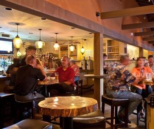 News_Beaver's, interior