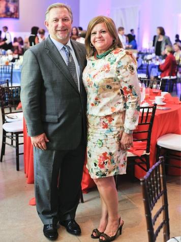 Joseph Wielebinski and Emily Maduro, Dallas Museum of Art League president, art in bloom