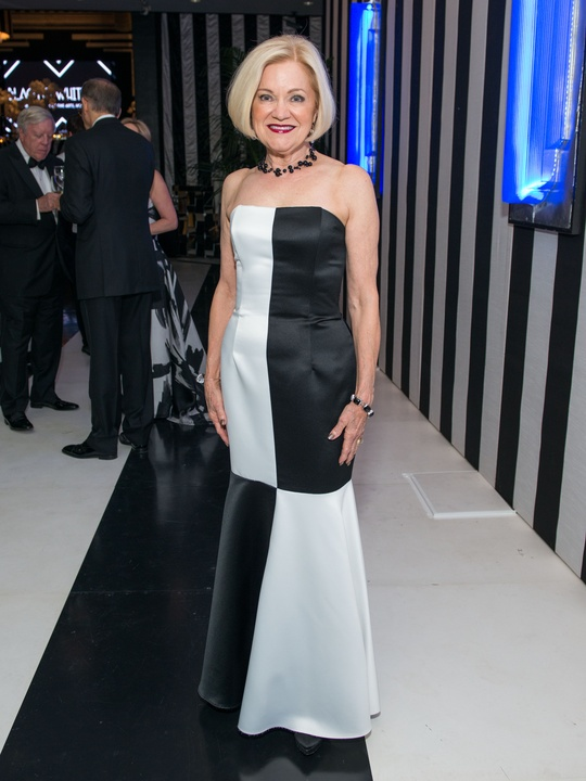 News, Shelby, MFAH gala gowns, Oct. 2015 Jo Furr in Jessica McClintock