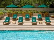 News_Hotel pools_The St. Regis Houston_chairs