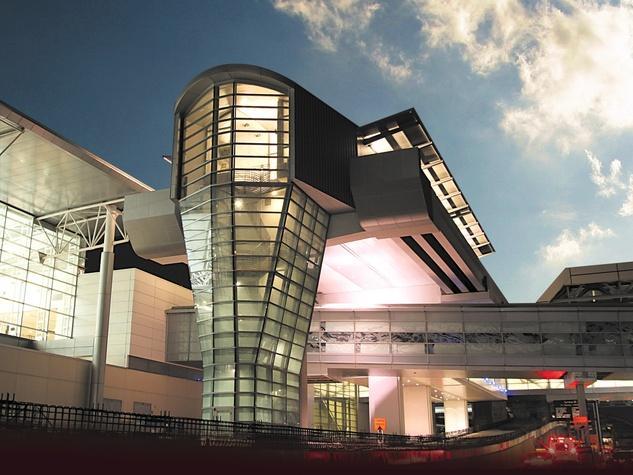 News_Bush Intercontinental Airport_arrivals building