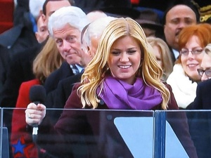 Bill Clinton, photo bombs, Kelly Clarkson, inauguration, January 2013
