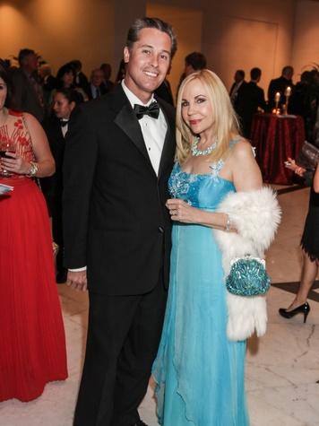 4844 Bob Nowak and Carolyn Farb at the Mission of Yahweh gala May 2014