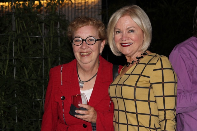 1681 Edie Archer and Jo Furr at the UH College of Architecture Memorable Meals October 2014