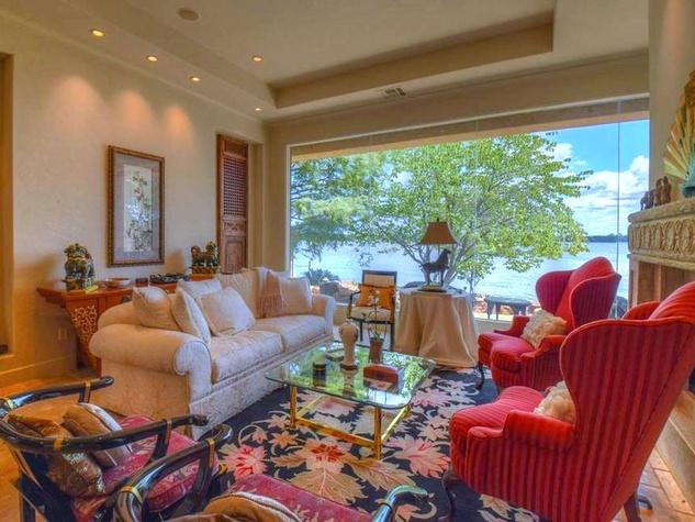 Rex Tillerson home at Horseshoe Bay, living room