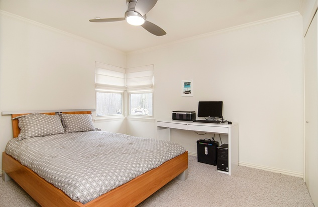 6706 Pimlico Dr. bedroom