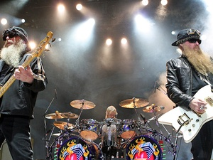 News_Michael D. Clark_Nov. 2009_ZZ Top