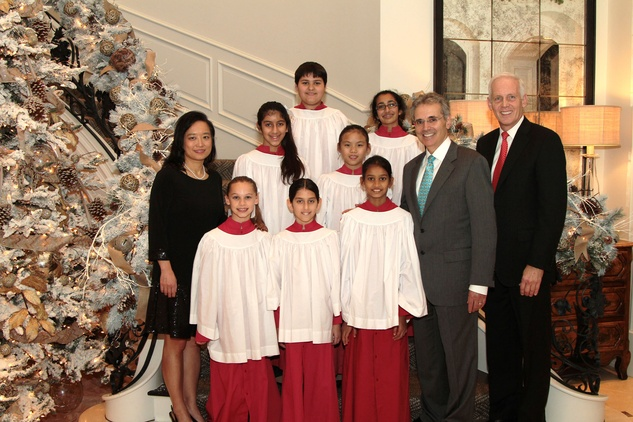 Dr. Lynda Chin, Dr. Ron DePinho and Stephen Roddy with the choir at the 9th Annual Santa's Elves Event December 2014