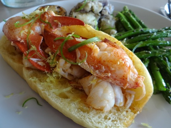 TJ's Seafood Market takes its lobster rolls south to Preston Royal - CultureMap Dallas