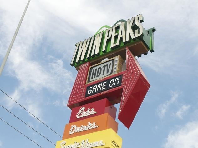 Twin Peaks Kirkwood Sign