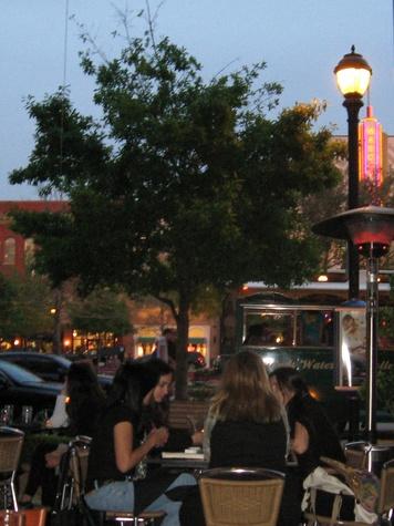 News_The Woodlands_Market Street_night life