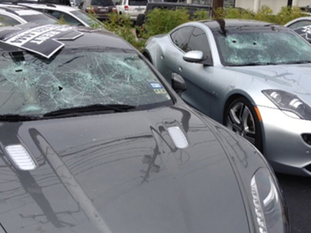 1 naked man arrested after smashing cars in The Galleria area November 2013