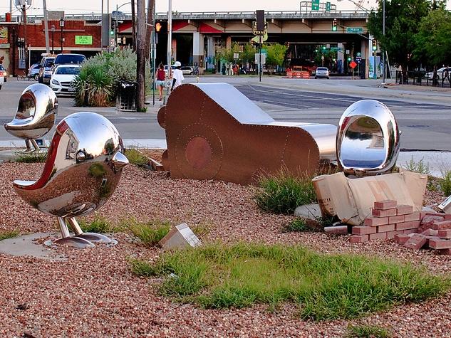 Traveling Man sculpture, Deep Ellum, Brad Oldham