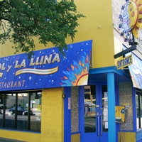 Austin Photo: Places_Food_El sol y La Luna_Exterior