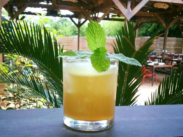 Grayze Patio Cocktail San Antonio