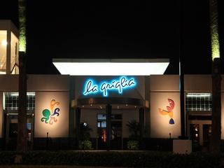 Places-Eat-La Griglia-exterior-night-1