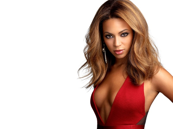 News_Beyonce_red halter_dress