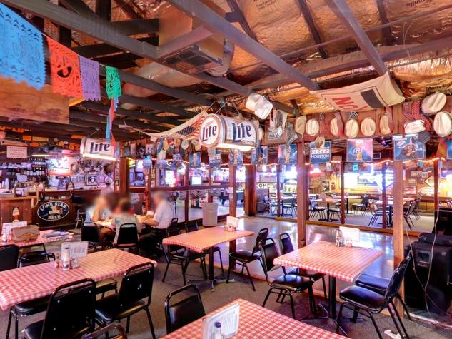 5 Blanco's Bar & Grill main restaurant area