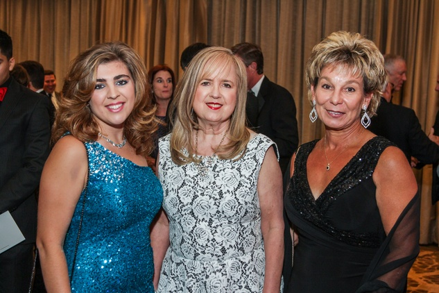 9 Hope Johnson, from left, Madeline Collier and Jean Johnson at the  Houston Baptist University Lou Holtz dinner November 2014
