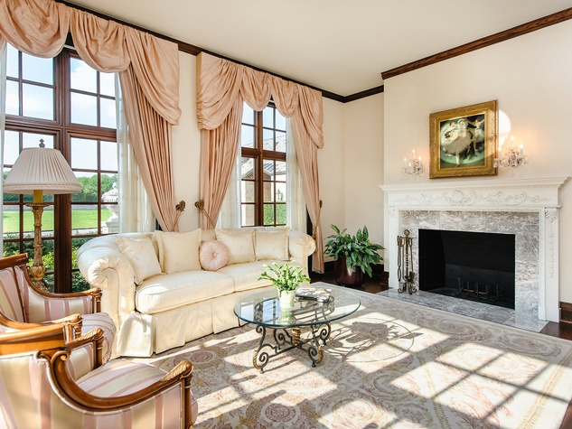 Living room at 10770 Inwood Rd. in Dallas