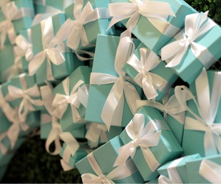 Tiffany & Co Diffa Wreaths