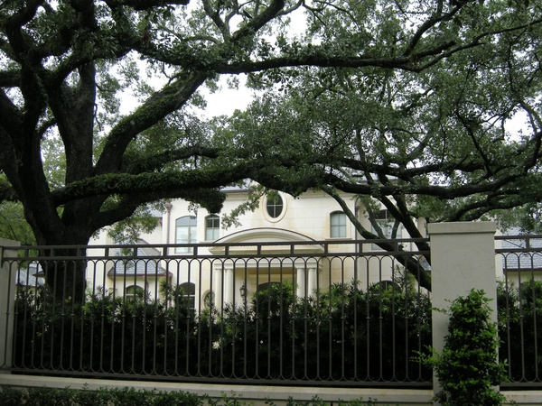 News_Joel Osteen_River Oaks_house