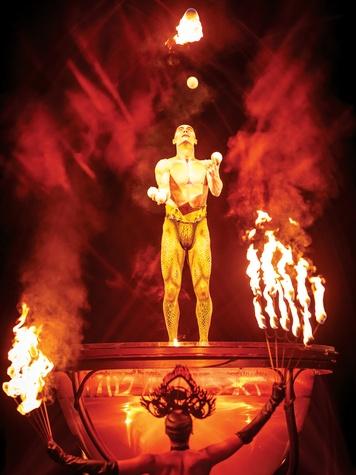 Cirque du Soleil Amaluna February 2015 Juggling