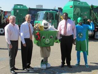 9 art recycling trucks August 2014