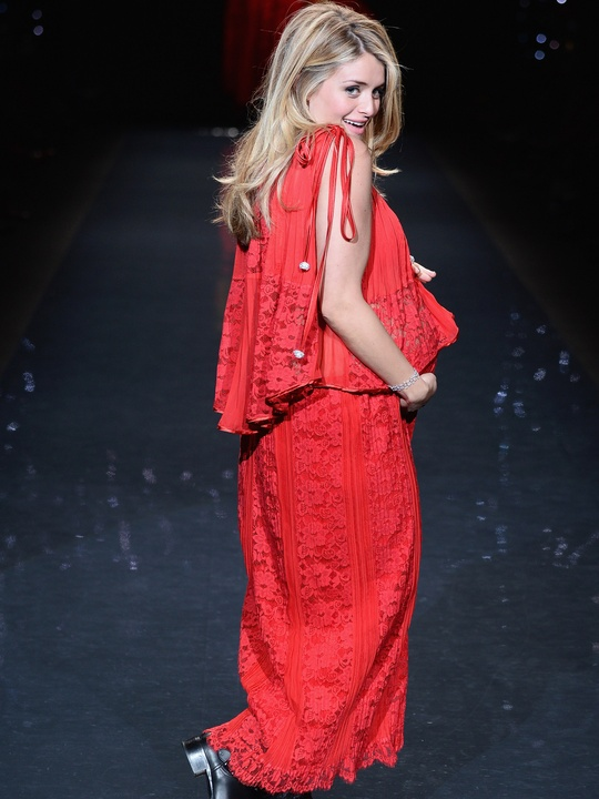 Daphne Oz walks the runway wearing Sarah Liller February 2014