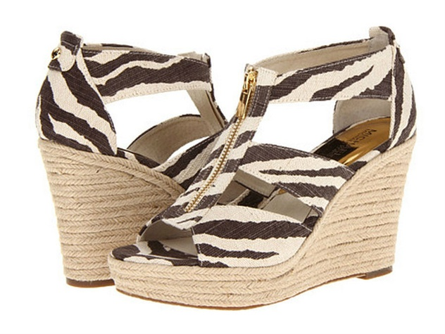 Who needs high heels to be sexy 10 wedges that will blow for Statements that will blow your mind