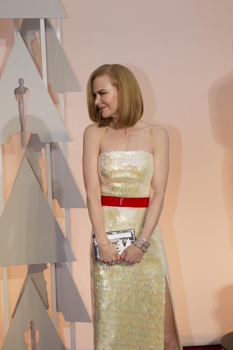 Nicole Kidman on red carpet at Oscars