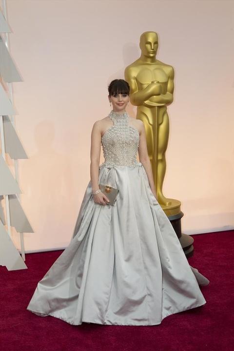 Felicity Jones on red carpet at Oscars