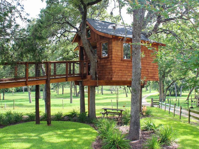 Slideshow These Amazing Texas Treehouses Take Glamping To