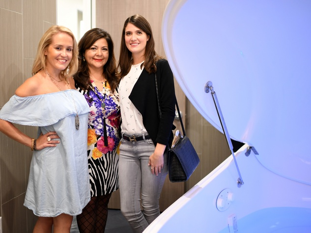 Houston, Mizu Integrative Medicine Clinic, Oct. 2016, Nicole Fertitta, Antigone Vastikas, Annie Daugherty