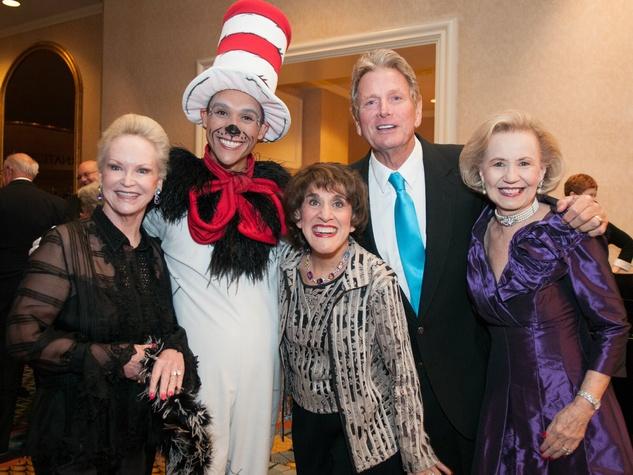 Jill Rowlett, DCT's Cat in the Hat (Brendan Cyrus), Ruth Buzzi, Kent Perkins, Yvonne Crum at Dallas Cabaret