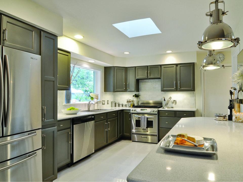 Leslie Ezelle finished kitchen