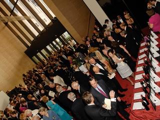 News_Houston Symphony Maestro's Wine Dinner_May 2011_crowd_venue_auction