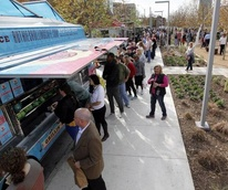 Dishcrawl presents Klyde Warren Park Truckcrawl