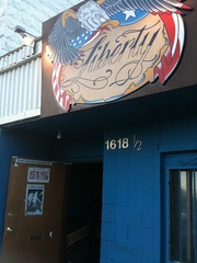 austin photo: places_bar_liberty_exterior