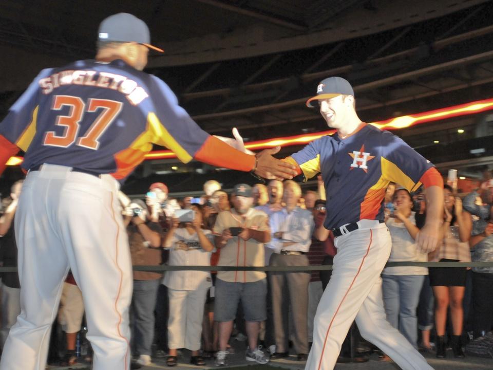 Astros Singleton new uniform