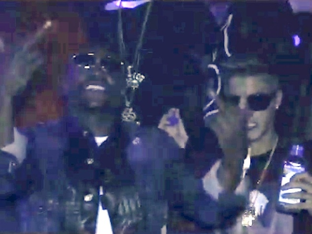Mayweather and Justin Bieber partying at strip club