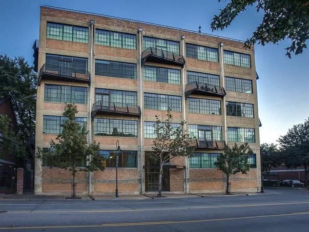 Exterior of 2220 Canton St. in Dallas