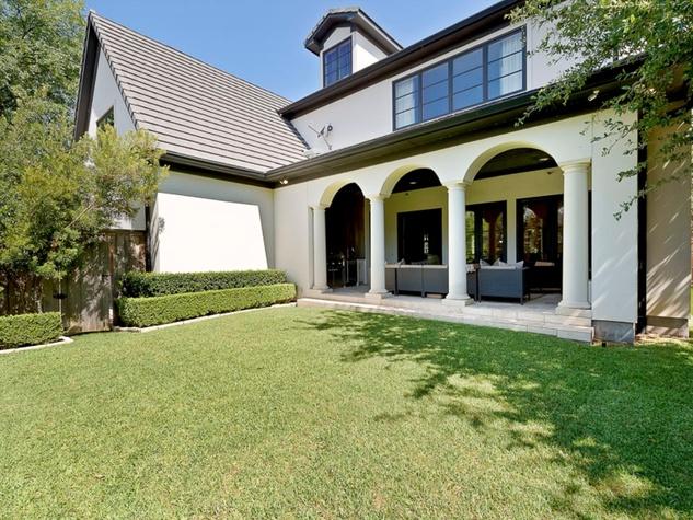 Yard at 3417 Villanova in Dallas
